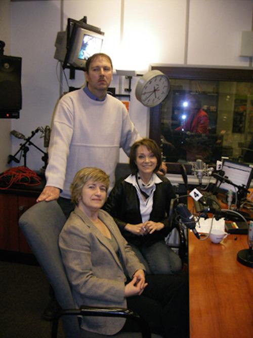 http://irenajarocka.pl/webdocs/image/2016/KG/Irena-Polskie-Radio-19.11.2008-z-fanami.jpg