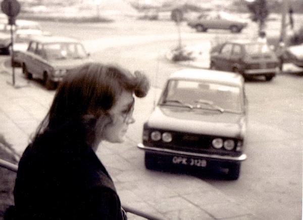 http://irenajarocka.pl/webdocs/image/2016/KG/Irena-wychodzi-z-hotelu-zdjecie-1980.jpg