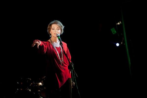 http://irenajarocka.pl/webdocs/image/2016/KG/Koncert-Katowice-OldTimersGarage-15.4.2011-3.jpg