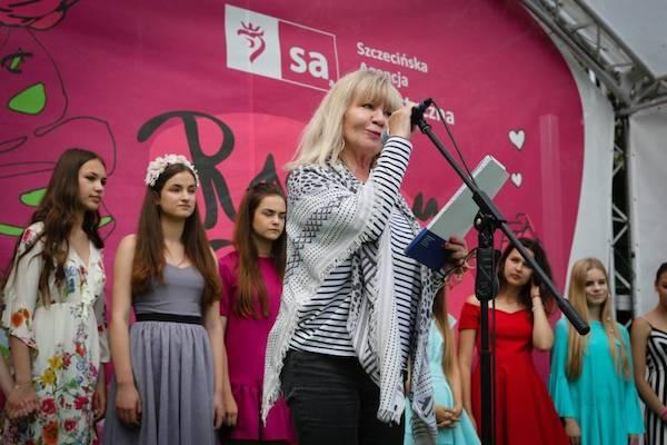 http://irenajarocka.pl/webdocs/image/2016/KG/Mlodzi-spiewaja-Jarocka-konkurs-7.jpg