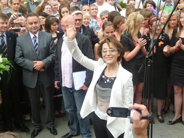http://irenajarocka.pl/webdocs/image/2016/KG/Odsloniecie-gwiazdy-na-rynku-w-Opolu-2.jpg