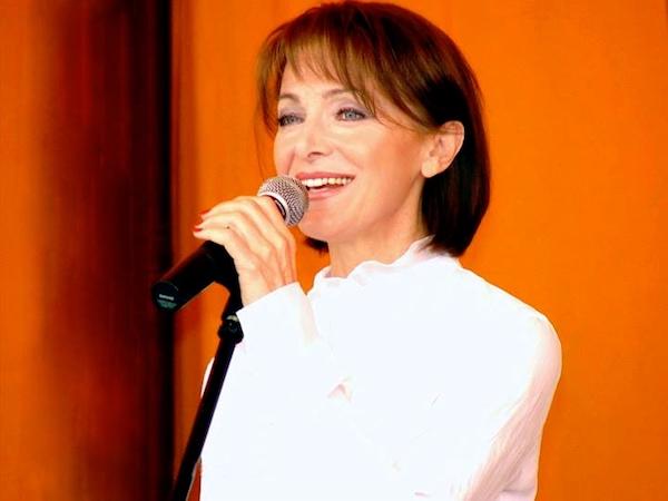 http://irenajarocka.pl/webdocs/image/2018/KG/Irena-zdjecie-koncertowe-2010.jpg