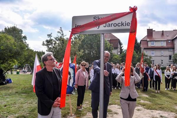 http://irenajarocka.pl/webdocs/image/2018/KG/Skwer-Ireny-Jarockiej-Gdansk-Oliwa-odslona-5.jpg