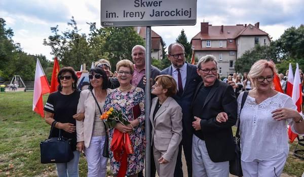 http://irenajarocka.pl/webdocs/image/2018/KG/Skwer-Ireny-Jarockiej-Gdansk-Oliwa-odslona-8.jpg