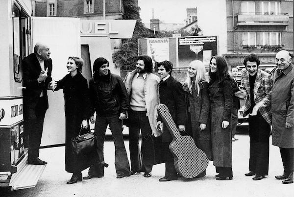 http://irenajarocka.pl/webdocs/image/2019/KG/Irena-Paryz-1969-zdjecie-grupowe-z-Bruno-Coquatrix.jpg