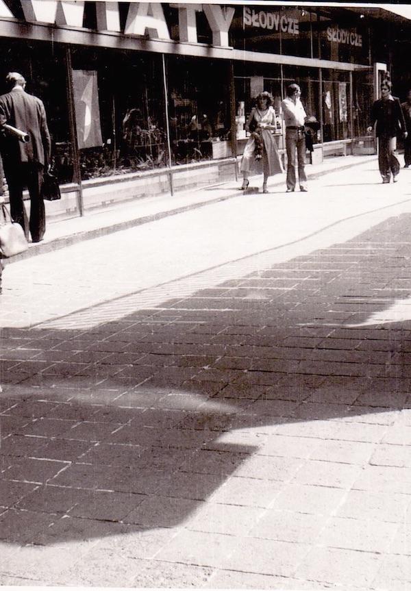 http://irenajarocka.pl/webdocs/image/2019/KG/Irena-Warszawa-Sciana-Wschodnia-06-1978-3.jpeg