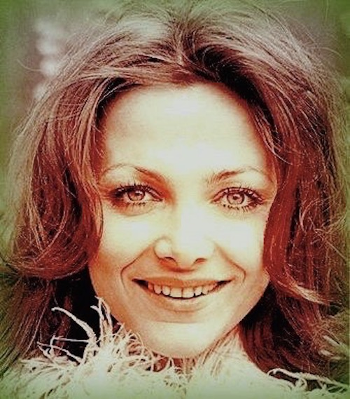 http://irenajarocka.pl/webdocs/image/2019/KG/Irena-fot-M-Karewicz-1974-sesja-na-pierwszy-LP.jpeg