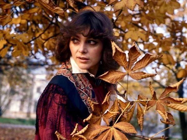 http://irenajarocka.pl/webdocs/image/2019/KG/Irena-jesienna-1978-1.jpeg