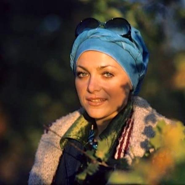 http://irenajarocka.pl/webdocs/image/2019/KG/Irena-w-turbanie-1975-2.jpeg