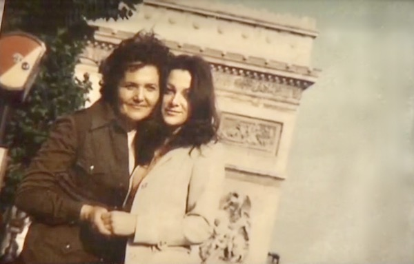 http://irenajarocka.pl/webdocs/image/2019/KG/Irena-z-mama-Paryz-przy-Arc-de-Triomphe.jpeg