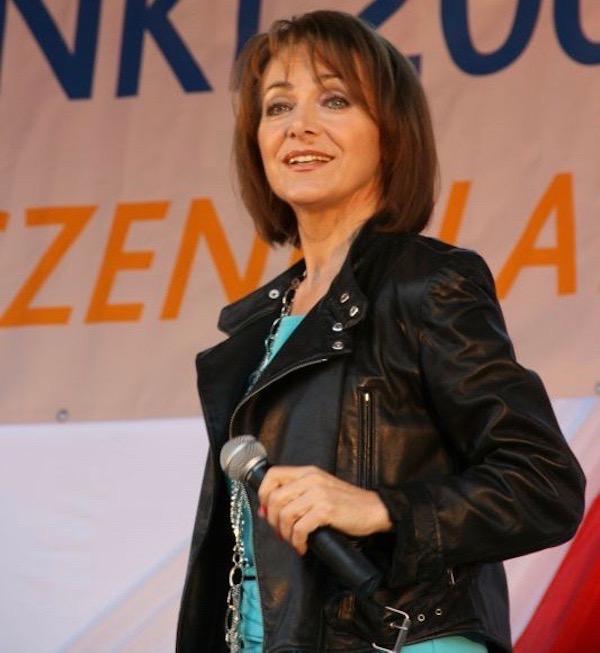 http://irenajarocka.pl/webdocs/image/2019/KG/Irena-zdjecie-koncertowe-KG-11-05-2018-13.jpeg