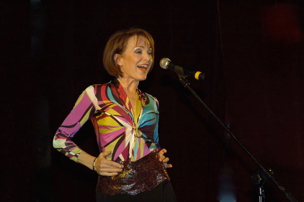 http://irenajarocka.pl/webdocs/image/2019/KG/Irena-zdjecie-koncertowe-KG-11-05-2018-17.jpeg
