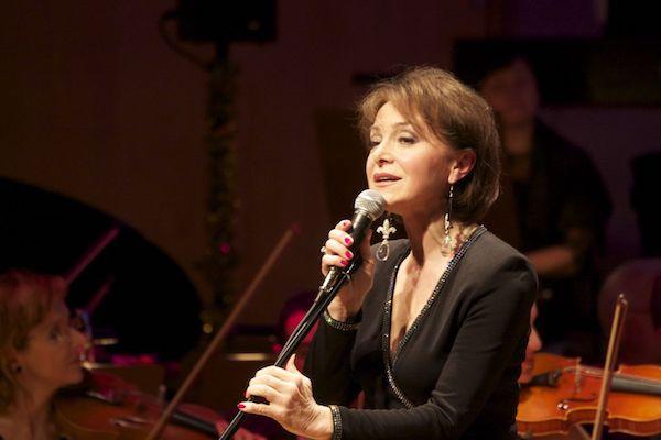http://irenajarocka.pl/webdocs/image/2019/KG/Irena-zdjecie-koncertowe-KG-11-05-2018-19.jpeg