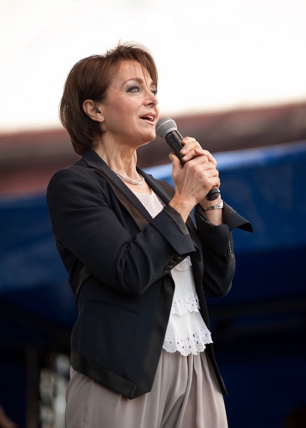 http://irenajarocka.pl/webdocs/image/2019/KG/Irena-zdjecie-koncertowe-KG-11-05-2018-2.jpeg