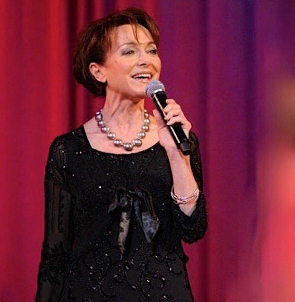 http://irenajarocka.pl/webdocs/image/2019/KG/Irena-zdjecie-koncertowe-KG-11-05-2018-29.jpeg