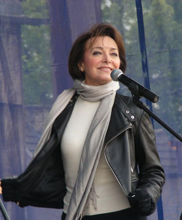 http://irenajarocka.pl/webdocs/image/2019/KG/Irena-zdjecie-koncertowe-KG-11-05-2018-4.jpeg