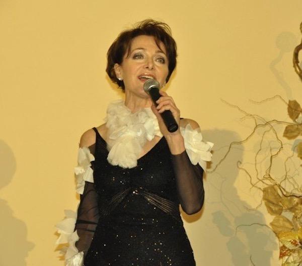 http://irenajarocka.pl/webdocs/image/2019/KG/Irena-zdjecie-koncertowe-KG-11-05-2018-40.jpeg