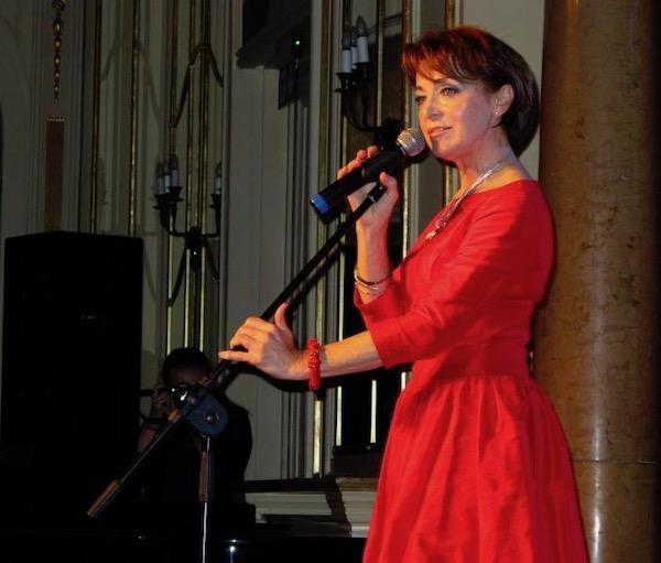 http://irenajarocka.pl/webdocs/image/2019/KG/Irena-zdjecie-koncertowe-KG-11-05-2018-45.jpeg