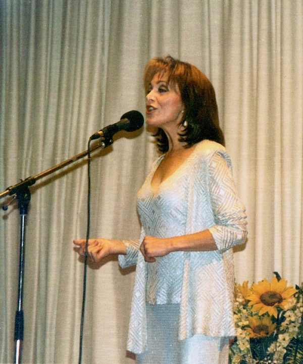 http://irenajarocka.pl/webdocs/image/2019/KG/Irena-zdjecie-koncertowe-KG-11-05-2018-52.jpeg