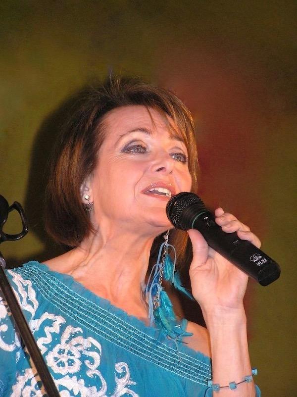 http://irenajarocka.pl/webdocs/image/2019/KG/Irena-zdjecie-koncertowe-KG-11-05-2018-53.jpeg