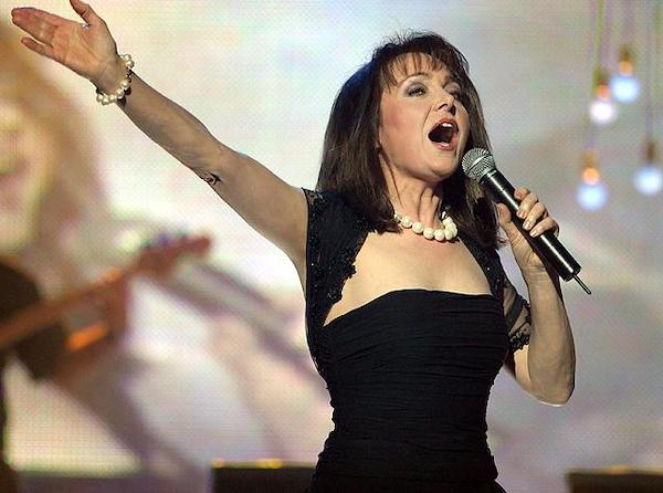 http://irenajarocka.pl/webdocs/image/2019/KG/Irena-zdjecie-koncertowe-KG-11-05-2018-59.jpeg