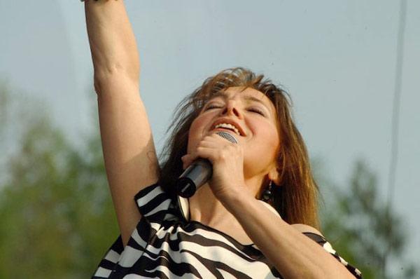 http://irenajarocka.pl/webdocs/image/2019/KG/Irena-zdjecie-koncertowe-KG-11-05-2018-65.jpeg