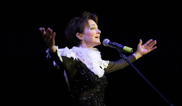 http://irenajarocka.pl/webdocs/image/2019/KG/Irena-zdjecie-koncertowe-KG-11-05-2018-7.jpeg