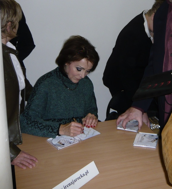 http://irenajarocka.pl/webdocs/image/2019/KG/Plock-premiera-CD-Poniewaz-znow-sa-Swieta-autografy-2.jpeg