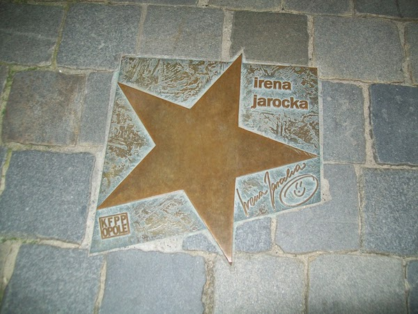 http://irenajarocka.pl/webdocs/image/2021/KG/Gwiazda-Ireny-w-Opolu-14.jpg