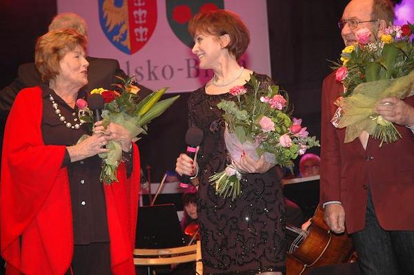 http://irenajarocka.pl/webdocs/image/2021/KG/Irena-Dni-Bielska-Bialej-z-Maria-Koterbska-2010.jpg