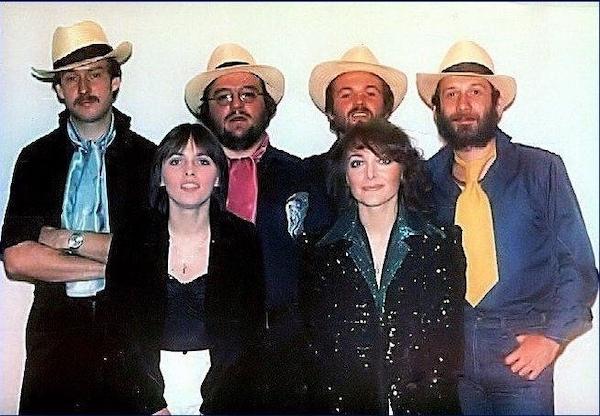 http://irenajarocka.pl/webdocs/image/2021/KG/Irena-z-zespolem-z-Beata-Andrzejewska-1980.jpg