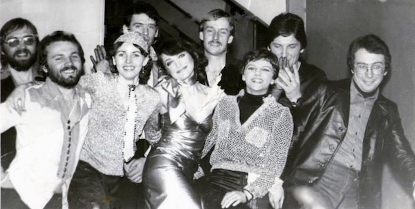 http://irenajarocka.pl/webdocs/image/2021/KG/Irena-zdjecie-grupowe-z-zespolem-z-Grzegorz-Markowski-1980.jpg